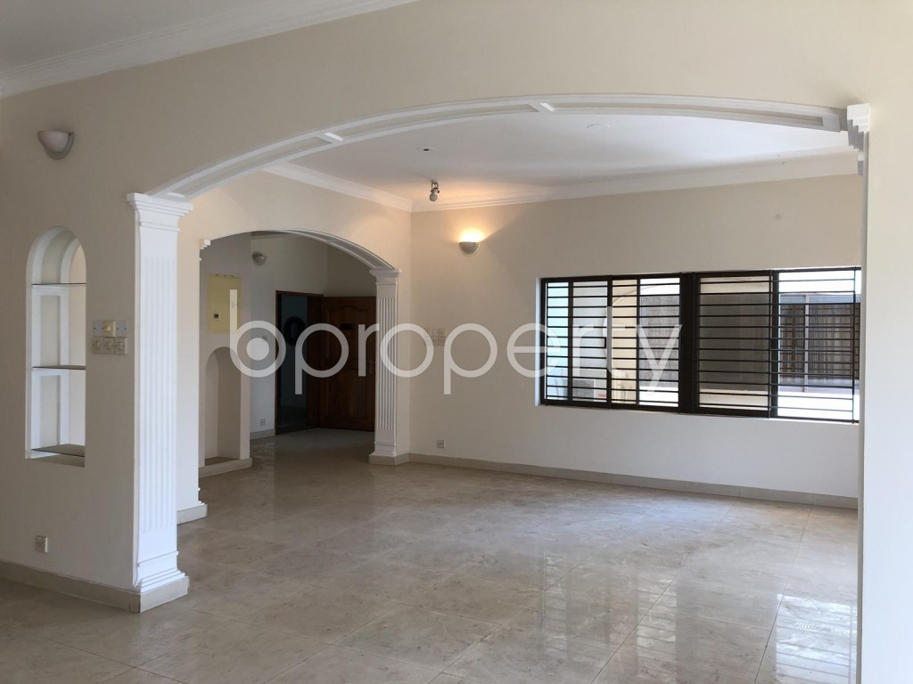 Image 1 - 3 Bed Apartment for Sale in Gulshan, Dhaka - 1900923