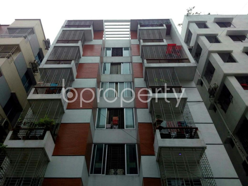 Front view - 3 Bed Apartment to Rent in Bashundhara R-A, Dhaka - 1903461