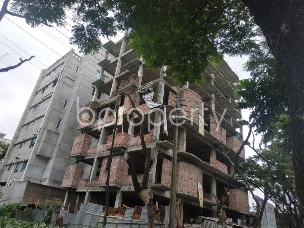 Front view - 3 Bed Apartment for Sale in Bashundhara R-A, Dhaka - 1903500