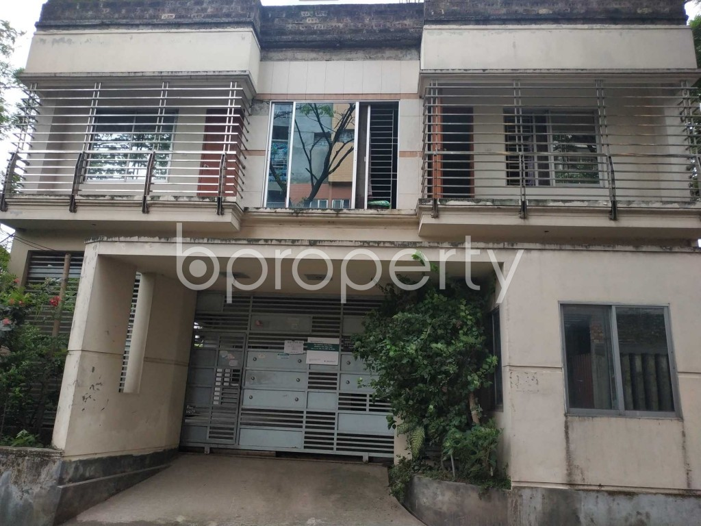 Front view - 2 Bed Apartment to Rent in Bashundhara R-A, Dhaka - 1903504