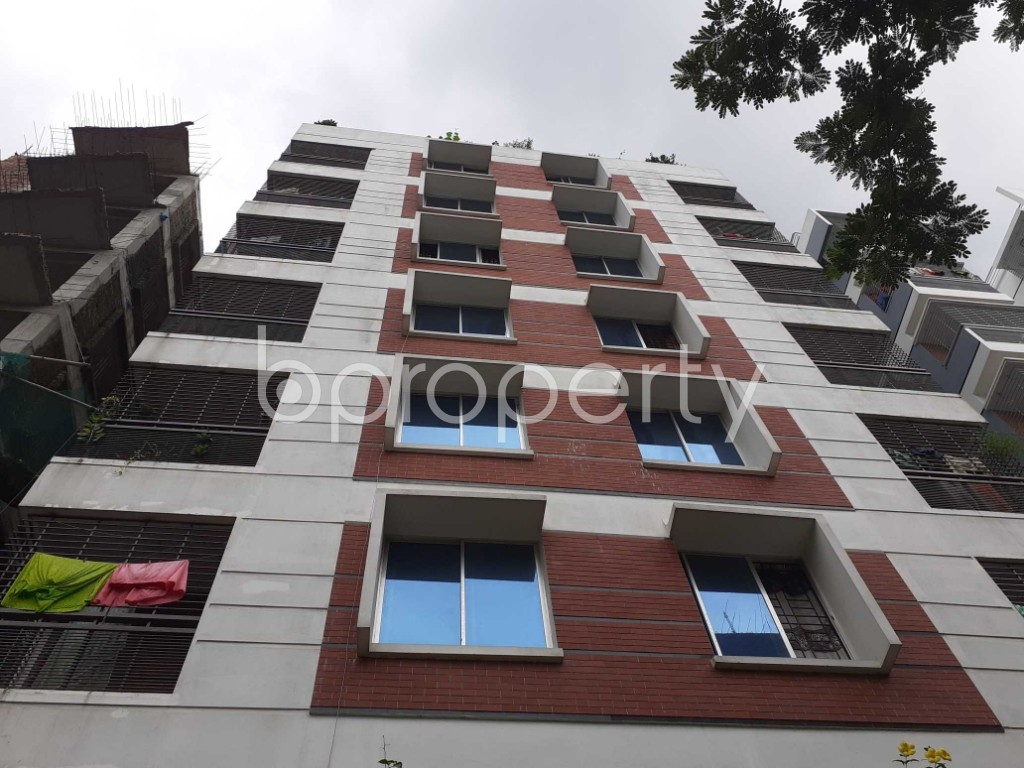 Front view - 3 Bed Apartment to Rent in Bashundhara R-A, Dhaka - 1903530