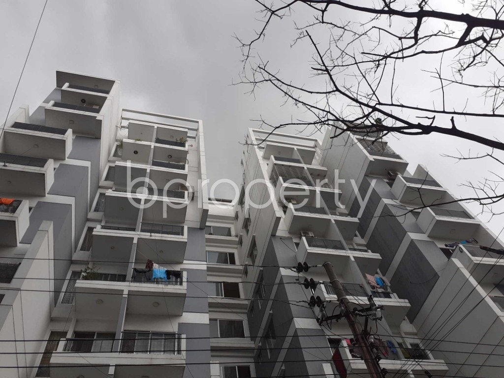 Front view - 3 Bed Apartment to Rent in Bashundhara R-A, Dhaka - 1903532