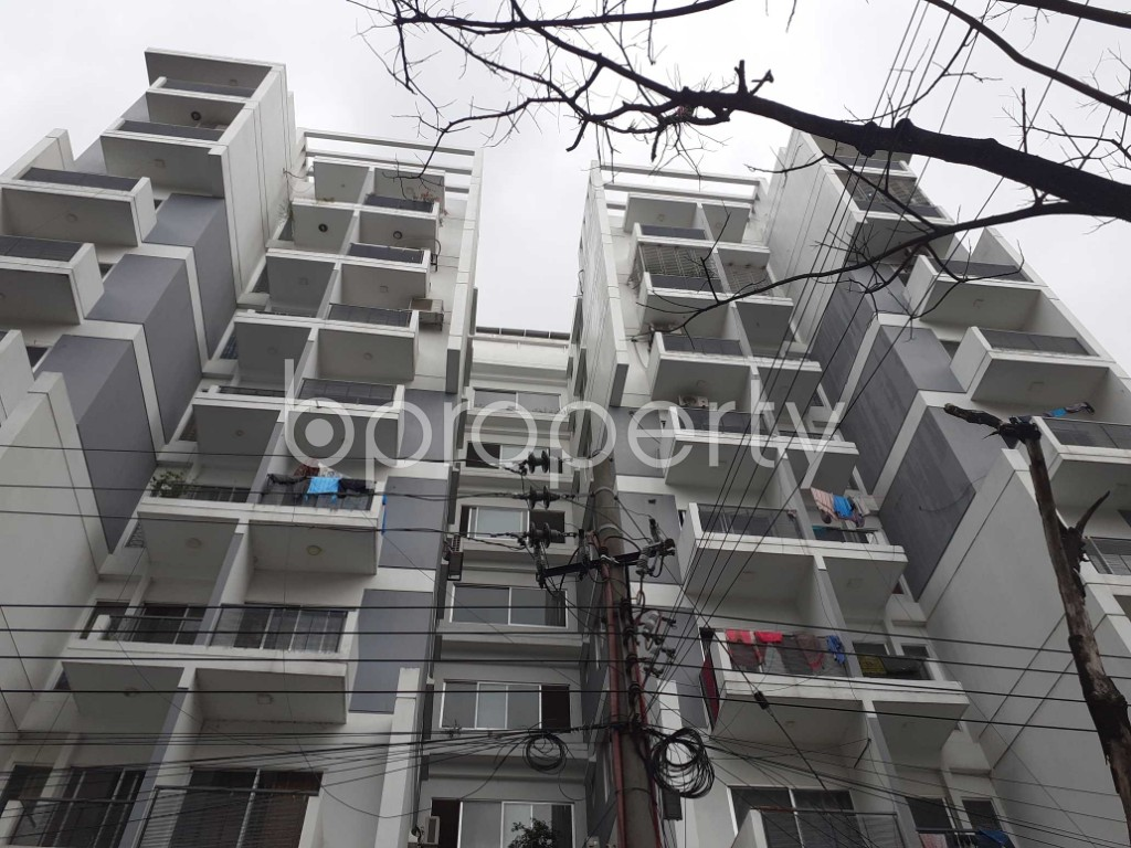 Front view - 3 Bed Apartment to Rent in Bashundhara R-A, Dhaka - 1903533