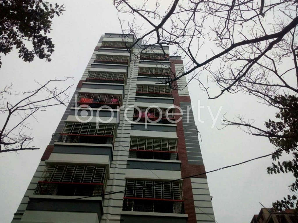 Front view - 3 Bed Apartment to Rent in Bashundhara R-A, Dhaka - 1903557