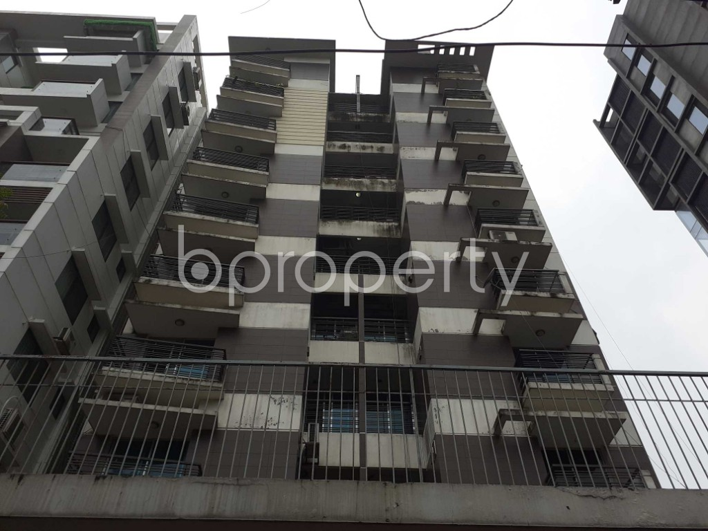 Outside view - 3 Bed Apartment to Rent in Banani, Dhaka - 1904183