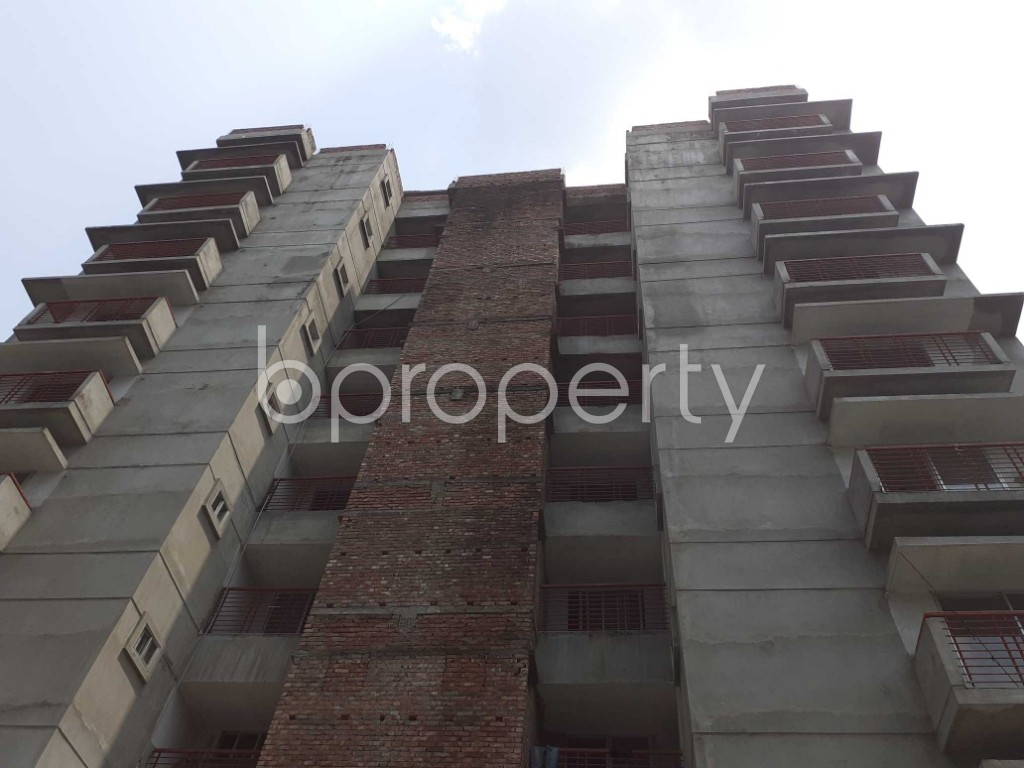 Front view - 3 Bed Apartment for Sale in Bashundhara R-A, Dhaka - 1905314