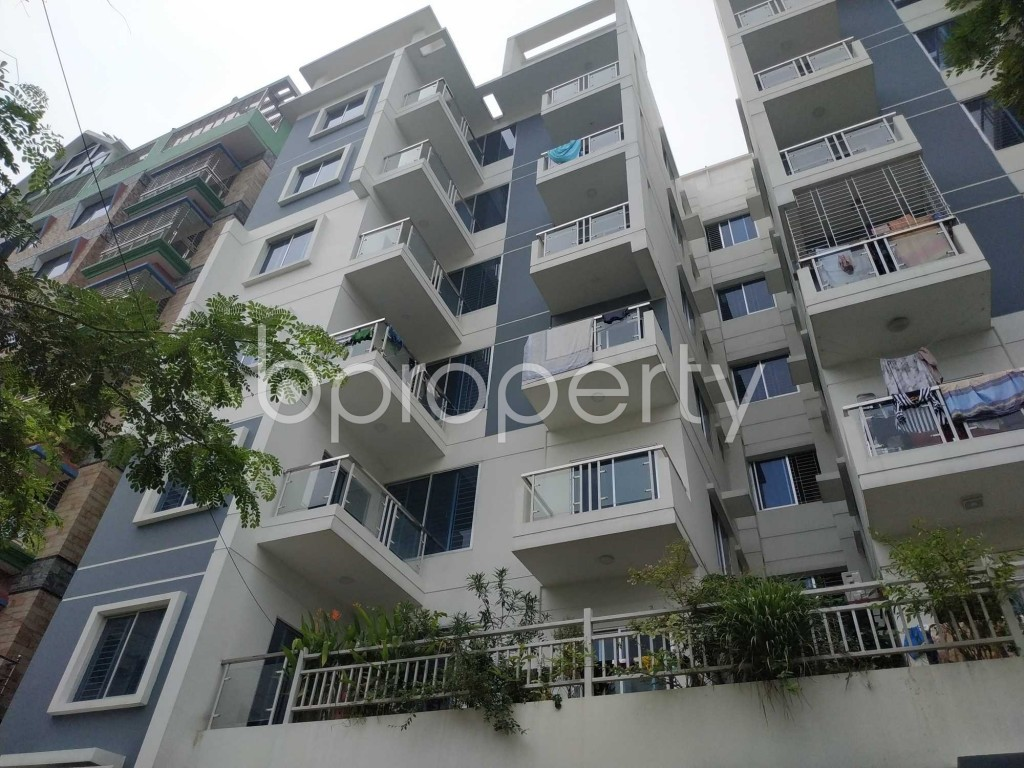 Front view - 3 Bed Apartment for Sale in Bashundhara R-A, Dhaka - 1906001