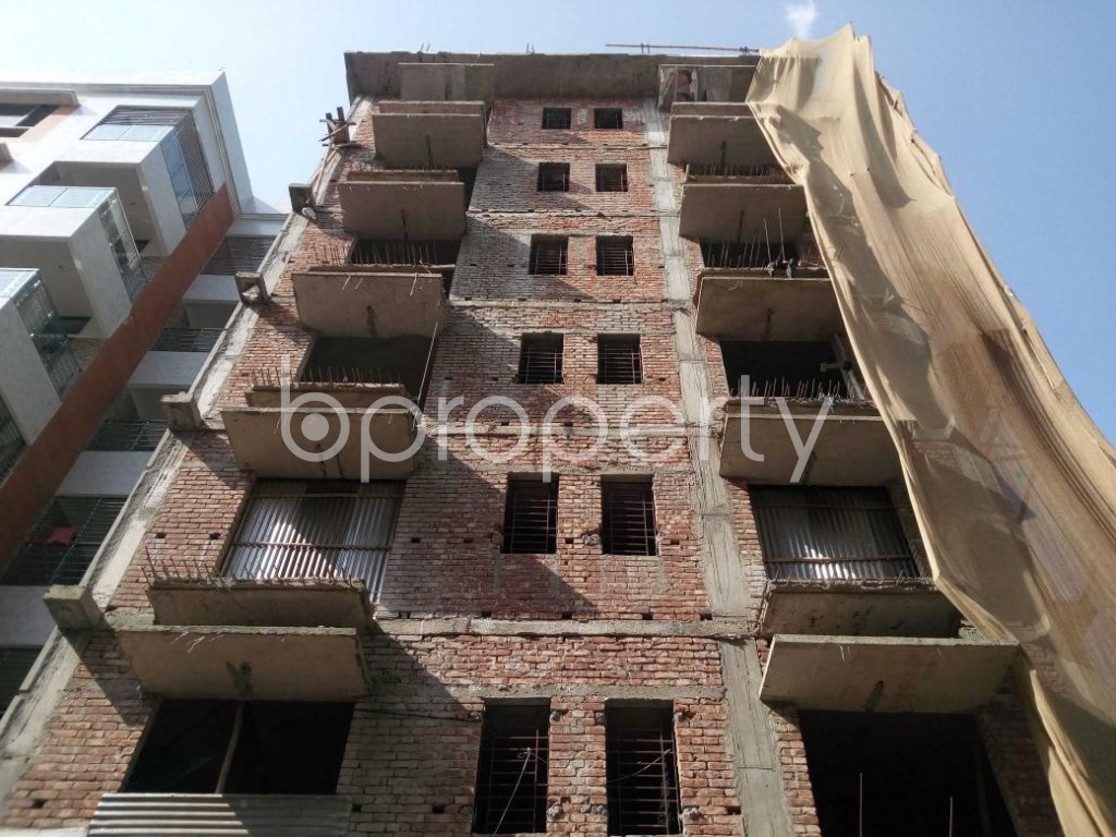Front view - 3 Bed Apartment for Sale in Aftab Nagar, Dhaka - 1906472