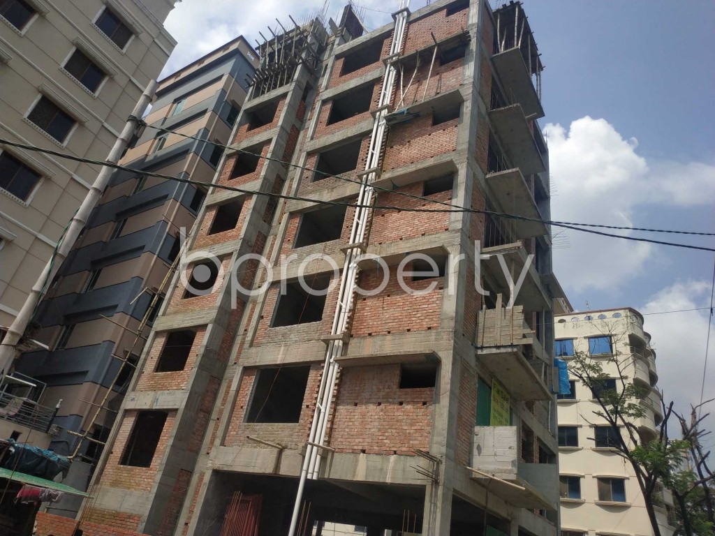 Front view - 3 Bed Apartment for Sale in Bashundhara R-A, Dhaka - 1906478