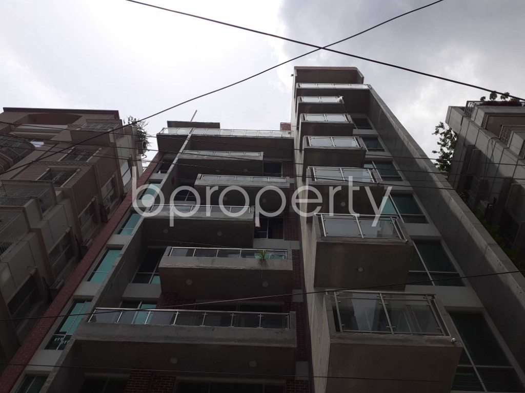 Front view - 4 Bed Apartment to Rent in Bashundhara R-A, Dhaka - 1906824