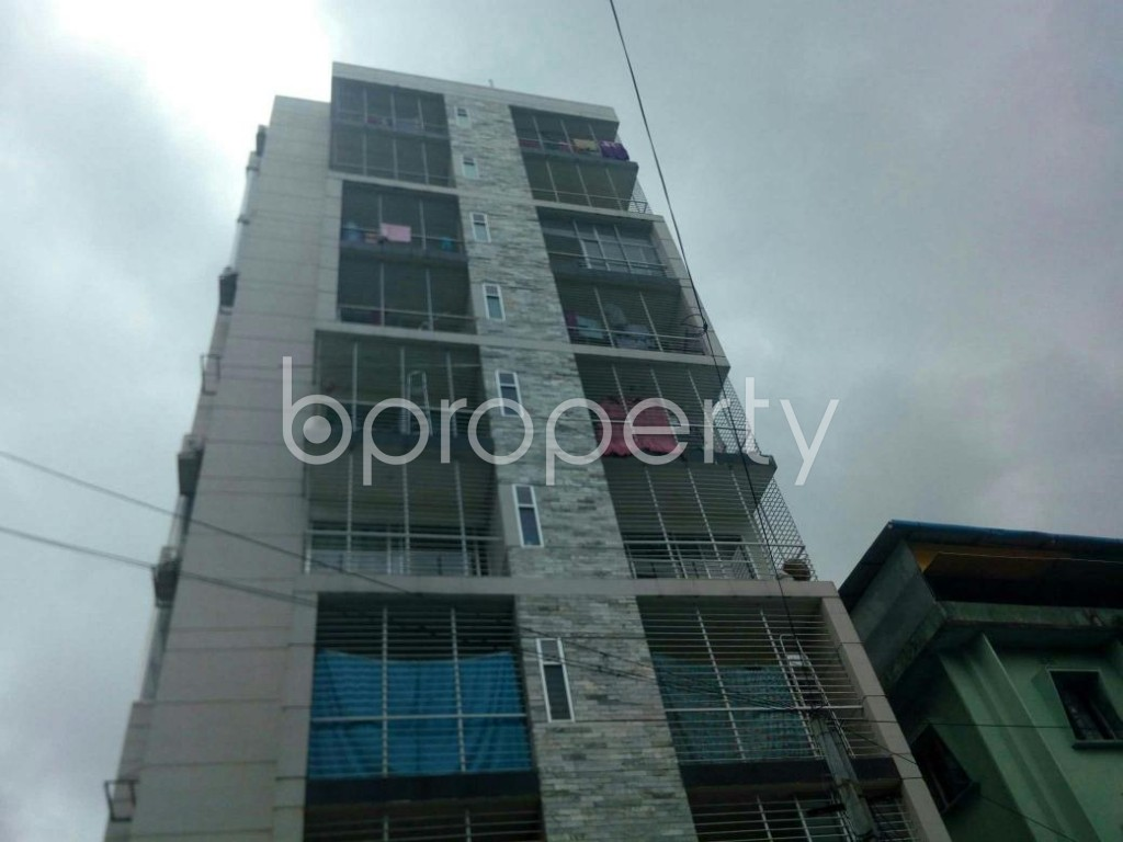 Front view - 3 Bed Apartment for Sale in 16 No. Chawk Bazaar Ward, Chattogram - 1907024