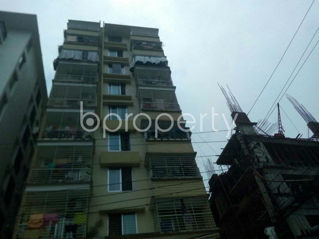 Front view - 3 Bed Apartment for Sale in 16 No. Chawk Bazaar Ward, Chattogram - 1907044