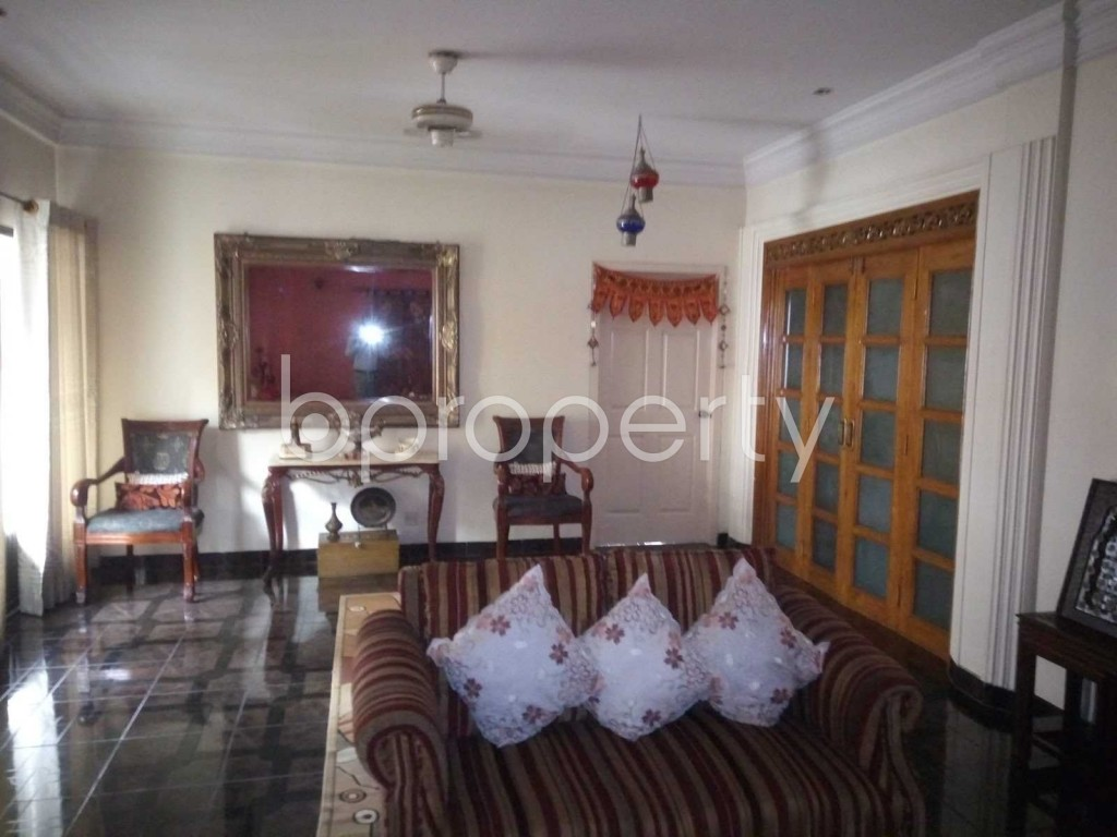 Lounge - 5 Bed Apartment to Rent in Baridhara DOHS, Dhaka - 1907719