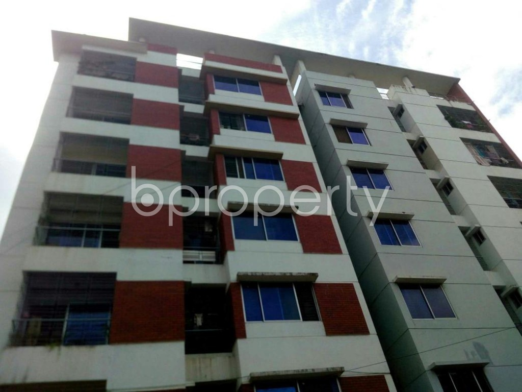 Front view - 3 Bed Apartment for Sale in 16 No. Chawk Bazaar Ward, Chattogram - 1908572