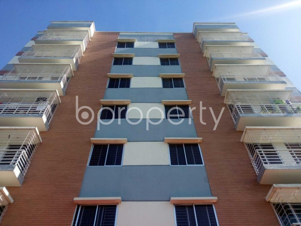 Front view - 3 Bed Apartment for Sale in Aftab Nagar, Dhaka - 1908834