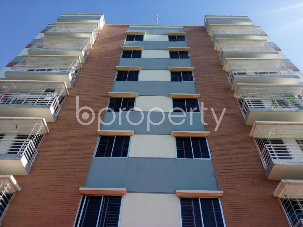Front view - 3 Bed Apartment for Sale in Aftab Nagar, Dhaka - 1908837
