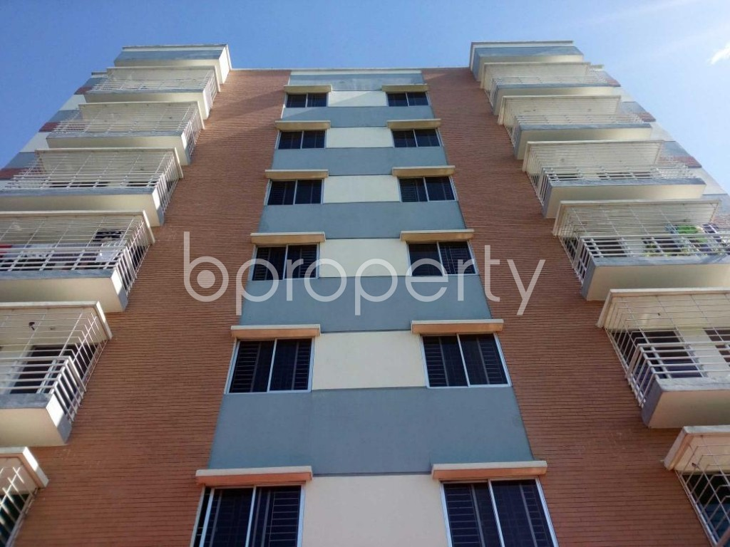 Front view - 3 Bed Apartment for Sale in Aftab Nagar, Dhaka - 1908839