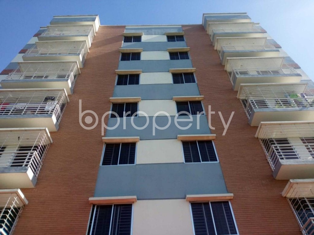 Front view - 3 Bed Apartment for Sale in Aftab Nagar, Dhaka - 1908840