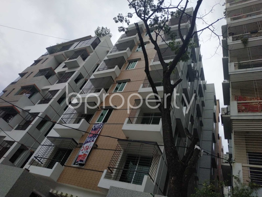 Front view - 3 Bed Apartment for Sale in Bashundhara R-A, Dhaka - 1910250