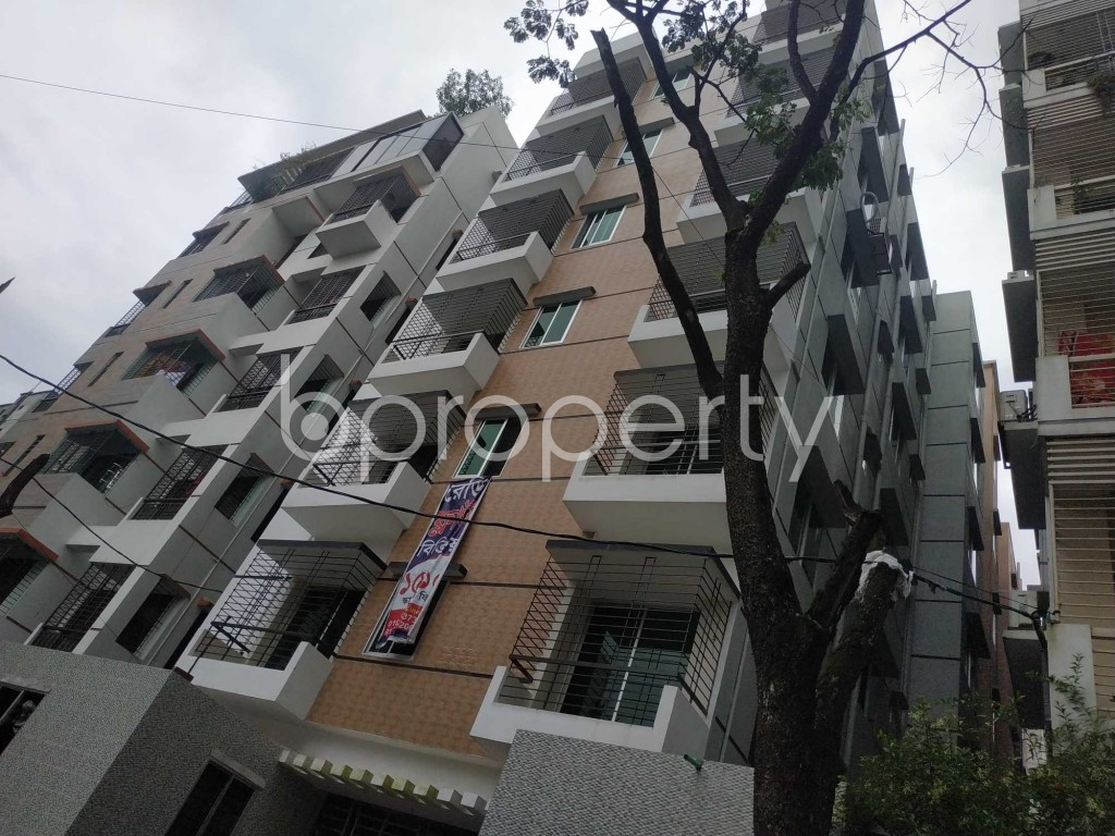 Front view - 3 Bed Apartment for Sale in Bashundhara R-A, Dhaka - 1910249