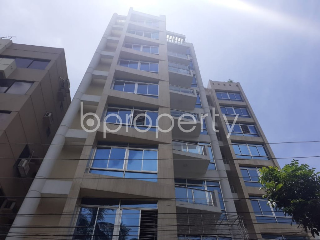 Front view - 3 Bed Apartment to Rent in Banani, Dhaka - 1907679