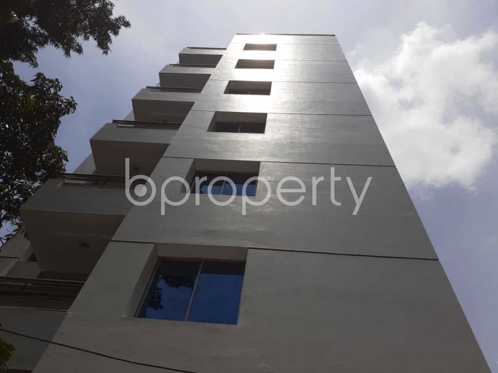 Front view - 4 Bed Apartment to Rent in Gulshan, Dhaka - 1910851