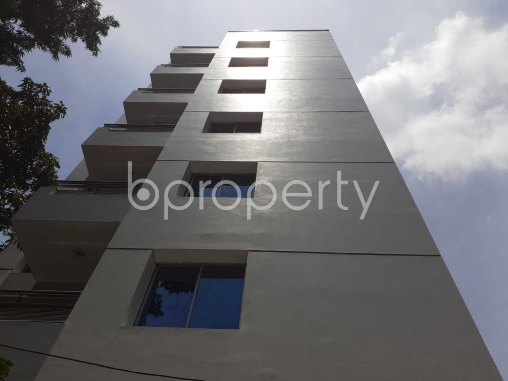 Front view - 4 Bed Apartment to Rent in Gulshan, Dhaka - 1910852