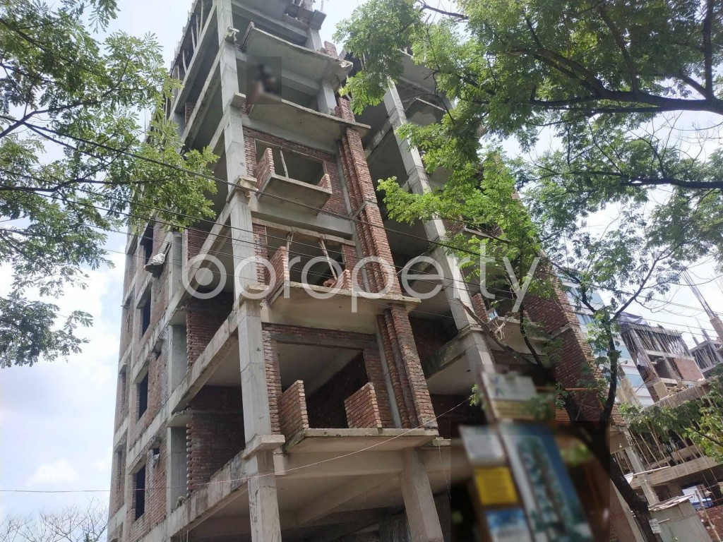 Front view - 3 Bed Apartment for Sale in Bashundhara R-A, Dhaka - 1910853