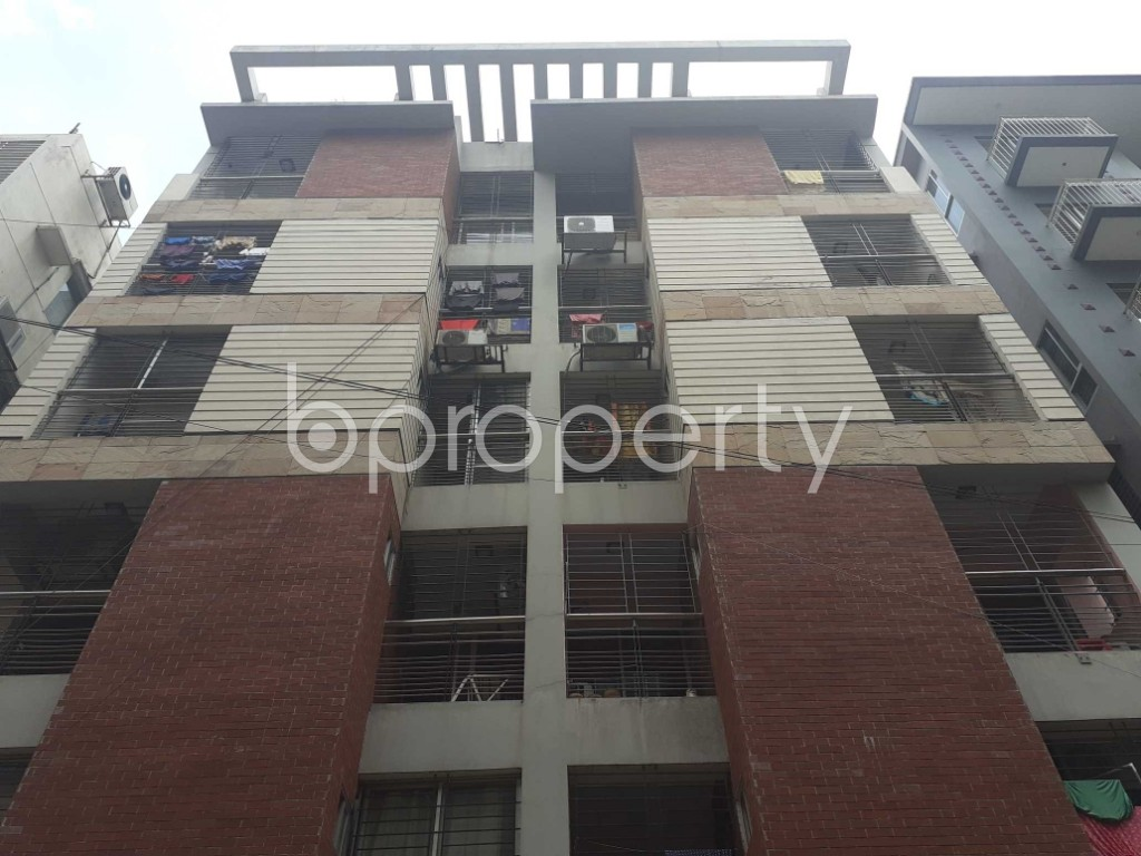 Front view - 3 Bed Apartment for Sale in Bashundhara R-A, Dhaka - 1910890