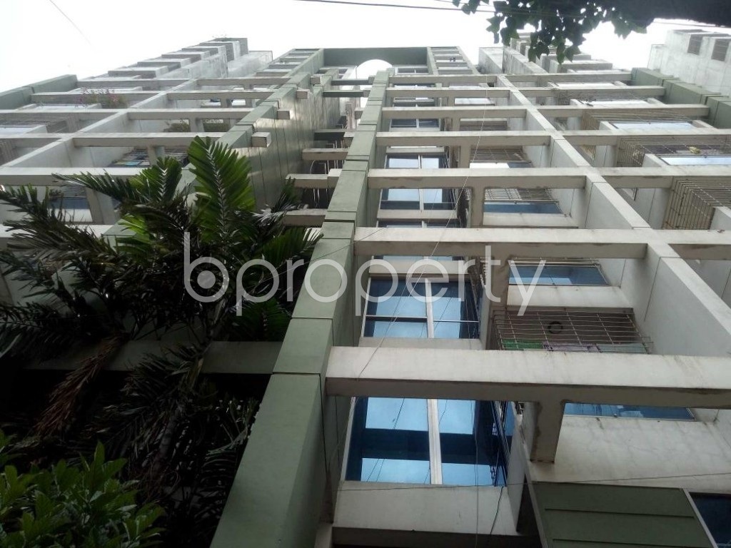 Front view - 3 Bed Apartment to Rent in Dhanmondi, Dhaka - 1911312
