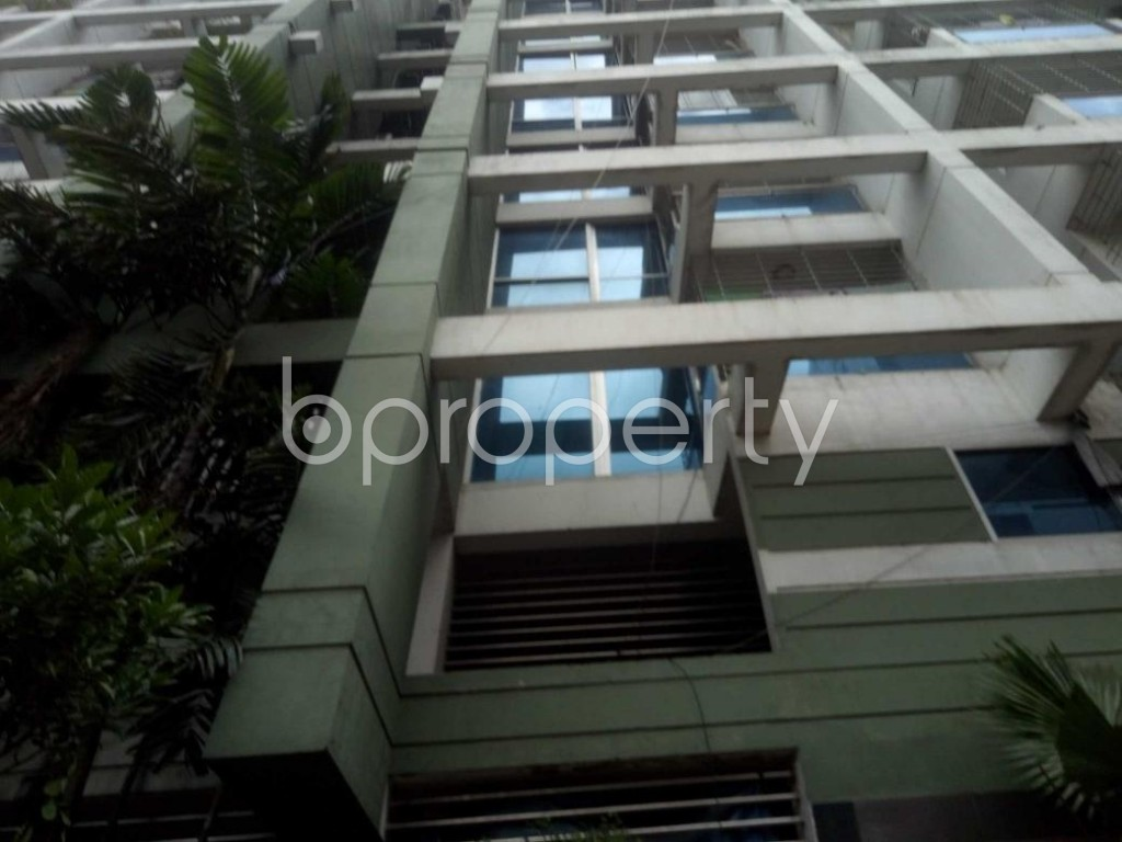 Front view - 3 Bed Apartment to Rent in Dhanmondi, Dhaka - 1911313