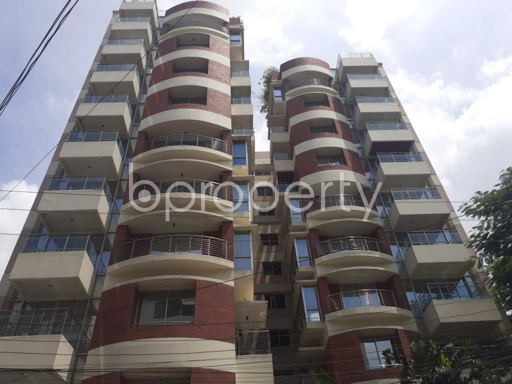 Front view - 4 Bed Apartment to Rent in Gulshan, Dhaka - 1911349