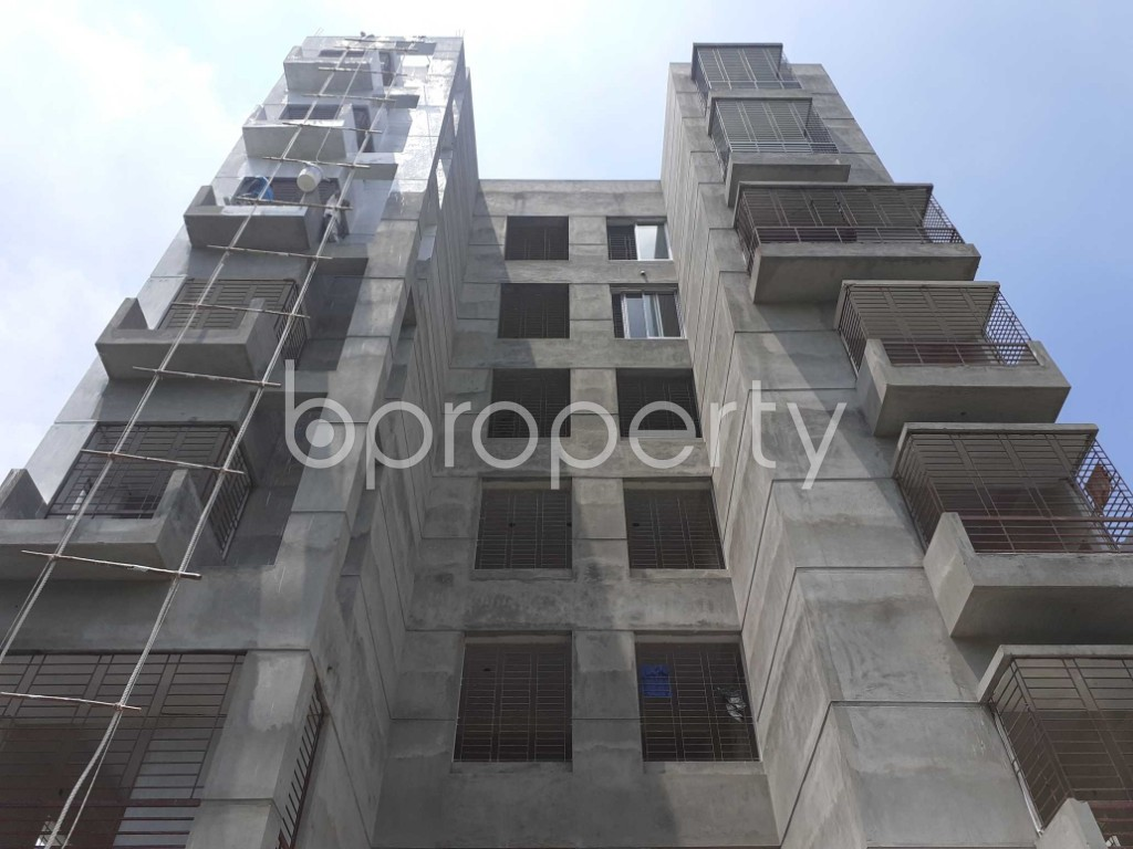 Front view - 3 Bed Apartment for Sale in Bashundhara R-A, Dhaka - 1911562