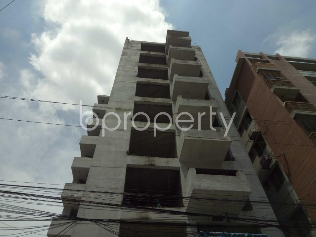 Front view - 3 Bed Apartment for Sale in Bashundhara R-A, Dhaka - 1911709