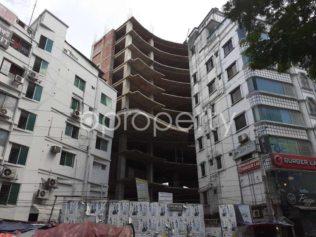 Front view - Floor for Sale in Bashundhara R-A, Dhaka - 1911965