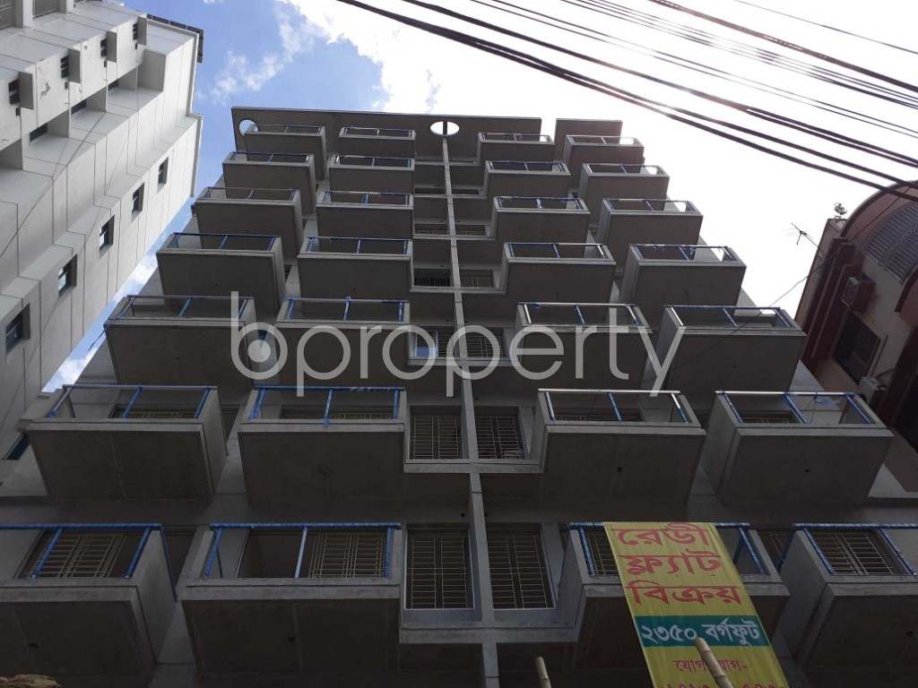 Front view - 4 Bed Apartment for Sale in Banani, Dhaka - 1911982