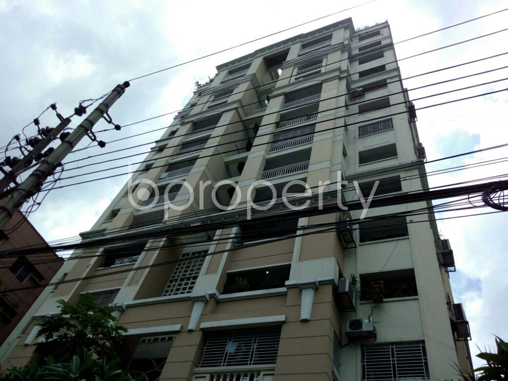 Outside view - 3 Bed Apartment to Rent in Dhanmondi, Dhaka - 1912168