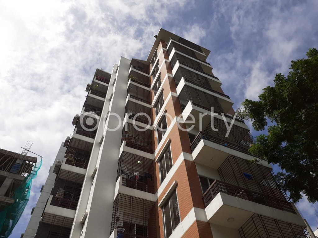 Front view - 3 Bed Apartment to Rent in Bashundhara R-A, Dhaka - 1912269