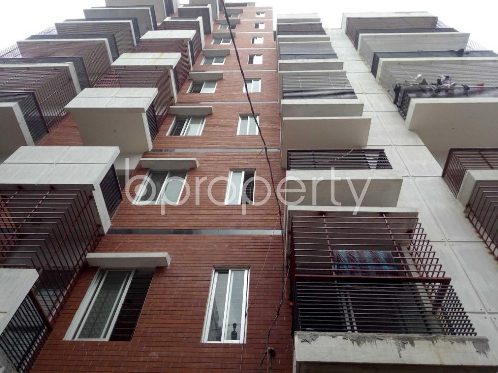 Front view - 5 Bed Apartment for Sale in Badda, Dhaka - 1912293