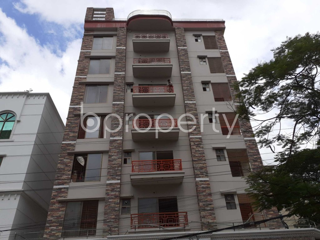Front view - 3 Bed Apartment to Rent in Bashundhara R-A, Dhaka - 1912410