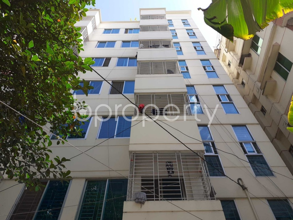 Front view - 3 Bed Apartment to Rent in Bashundhara R-A, Dhaka - 1912478