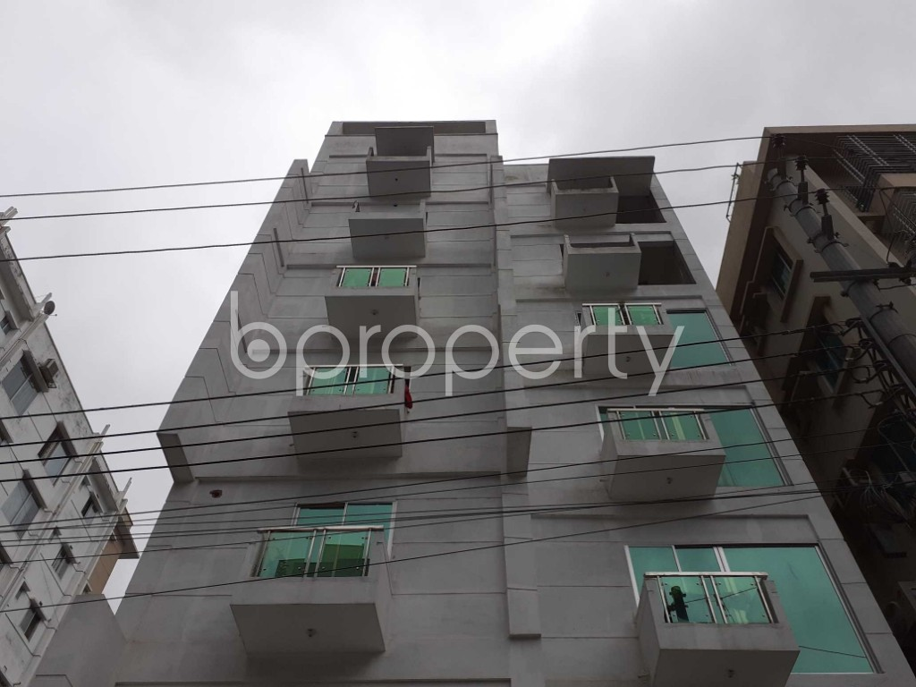 Front view - 3 Bed Apartment to Rent in Bashundhara R-A, Dhaka - 1912495