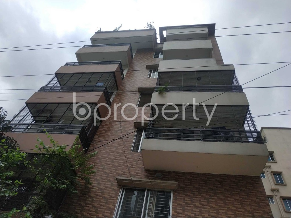 Front view - 2 Bed Apartment to Rent in Bashundhara R-A, Dhaka - 1912574