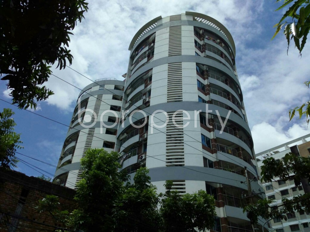 Outside view - 3 Bed Apartment to Rent in Dhanmondi, Dhaka - 1912644