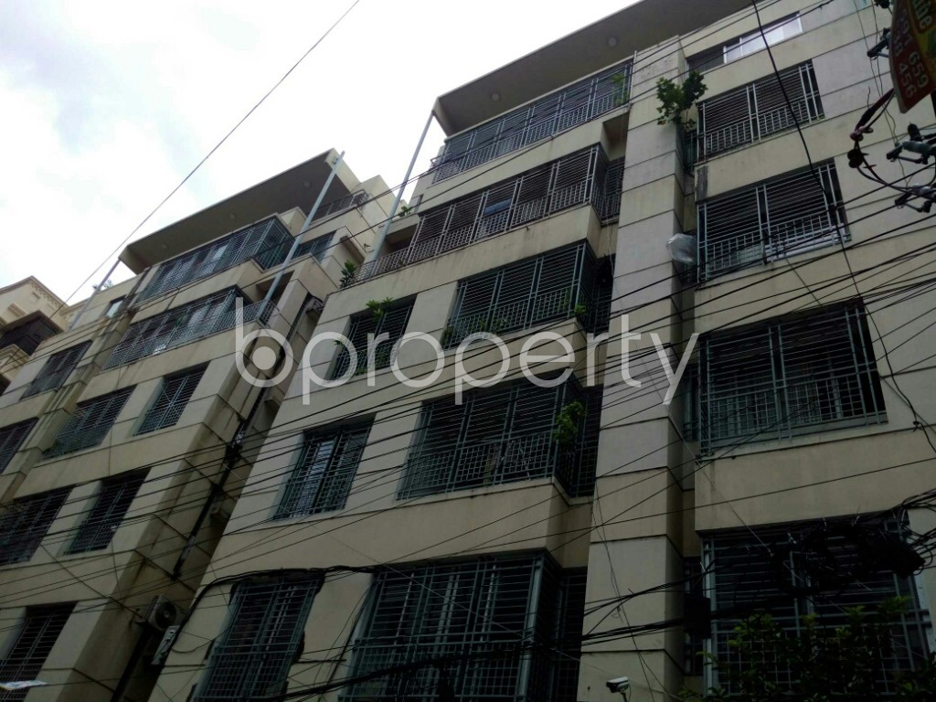 Outside view - 3 Bed Apartment to Rent in Dhanmondi, Dhaka - 1912647