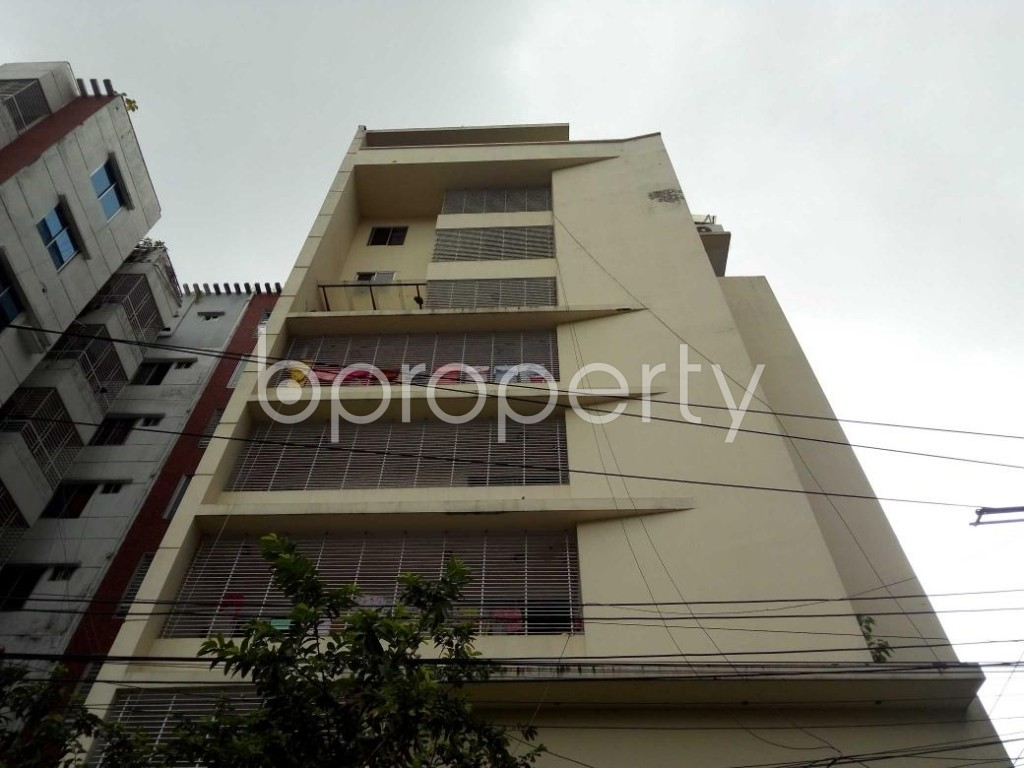 Front view - 3 Bed Apartment to Rent in Bashundhara R-A, Dhaka - 1912675