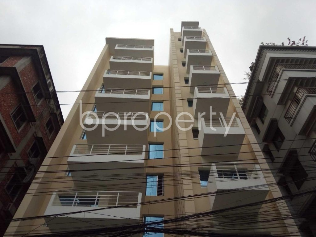 Front view - 4 Bed Apartment to Rent in Bashundhara R-A, Dhaka - 1912679