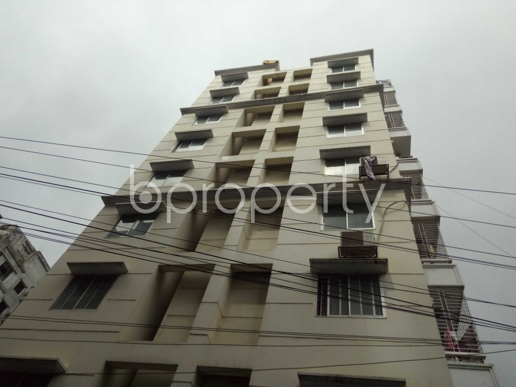 Outside view - 3 Bed Apartment to Rent in Bashundhara R-A, Dhaka - 1912684