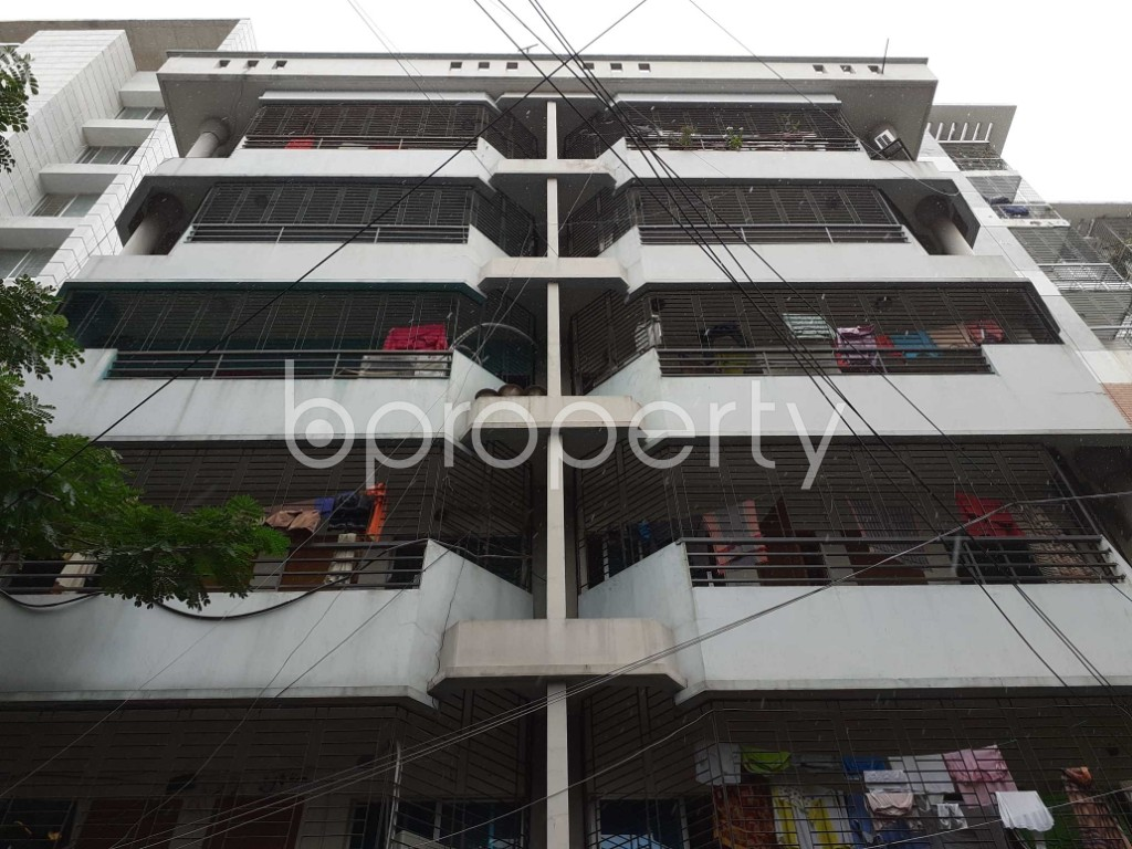 Front view - 2 Bed Apartment to Rent in Bashundhara R-A, Dhaka - 1912740