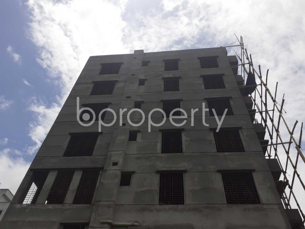 Front view - 3 Bed Apartment for Sale in Bashundhara R-A, Dhaka - 1912752